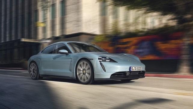 Porsche Taycan 4S: gli scatti