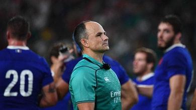 Foto coi tifosi del Galles, l'arbitro Peyper escluso dalle semifinali