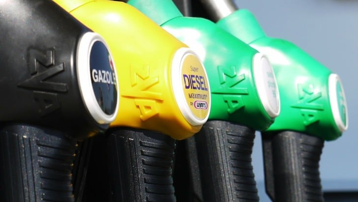 Benzina in Sicilia, agevolazioni prezzi per disabili