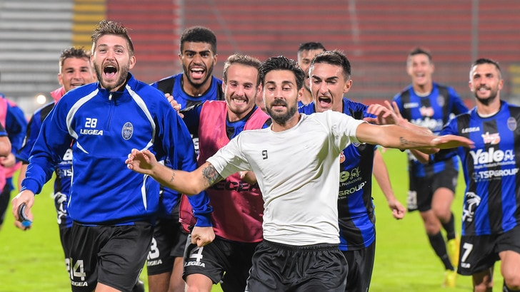 Renate, 1-0 alla Pro Patria e primo posto. Novara ko in casa col Pontedera
