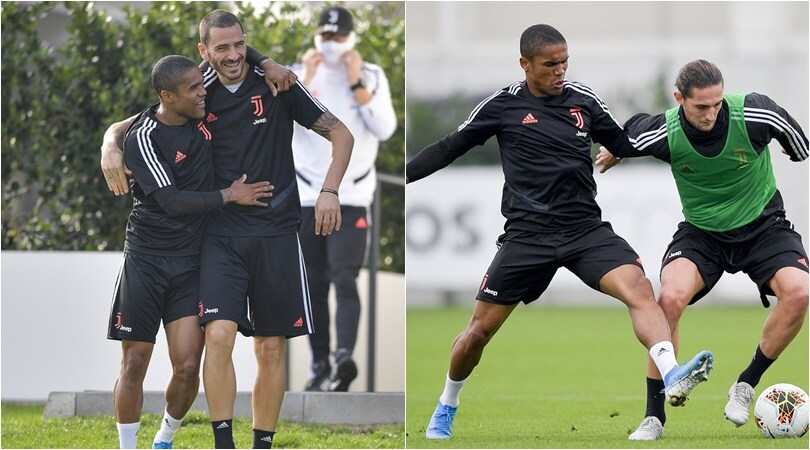 Juve, Sarri recupera Douglas Costa: si allena in gruppo
