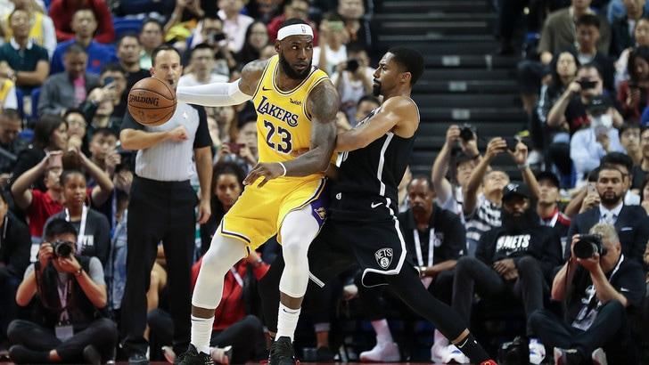 Nba, ok gli Spurs di Belinelli contro i Warriors. Lakers e Brooklyn vincenti