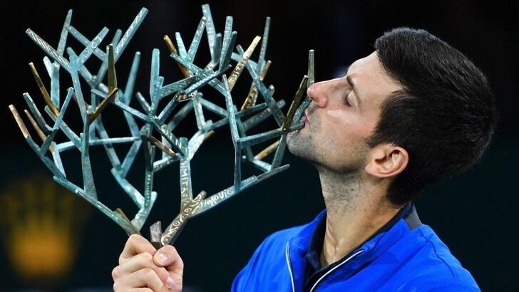 Djokovic vince la finale a Bercy contro Shapovalov