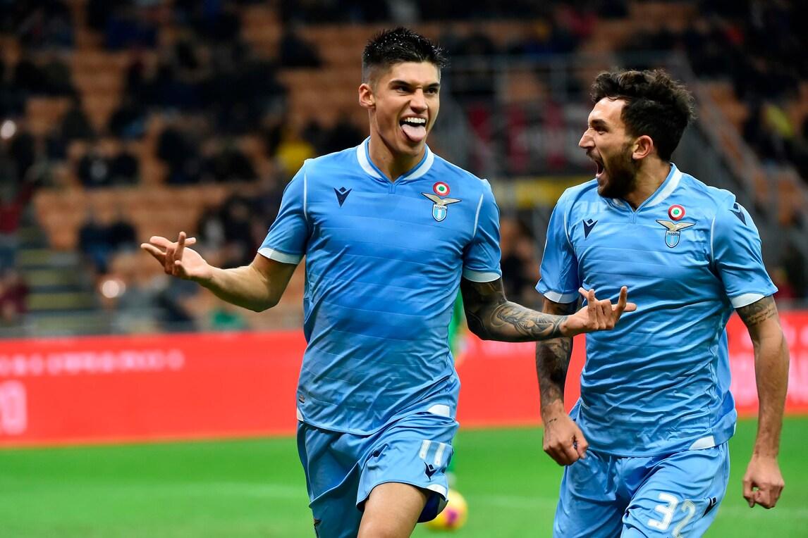 Il Milan cede alla Lazio all'83': decide Correa