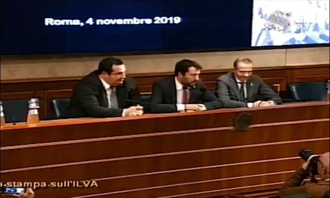 """Salvini: """"Un operaio dell'Ilva vale 10 Balotelli"""""""