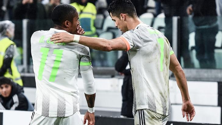"""Douglas Costa: """"Da quando c'è Ronaldo, alla Juve siamo tutti più magri"""""""