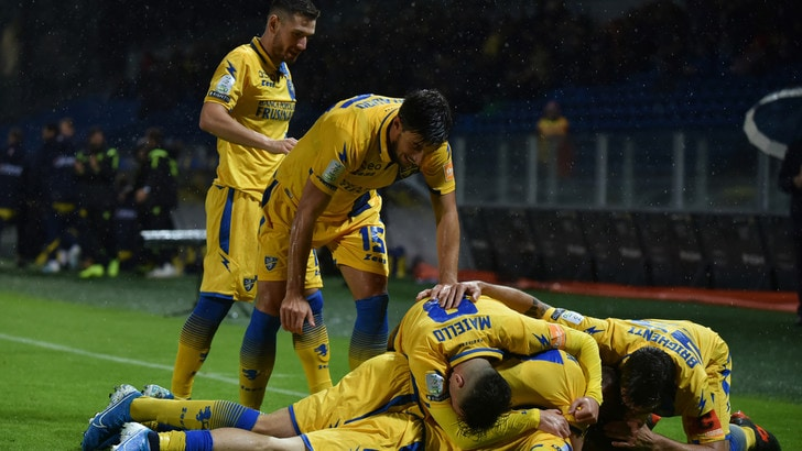 Serie B, il Frosinone rovina i piani del Chievo: 2-0 firmato Dionisi e Paganini