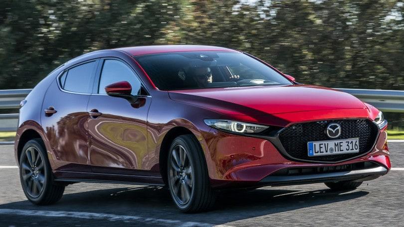 Mazda in lotta per il 'Car of the Year' con due modelli