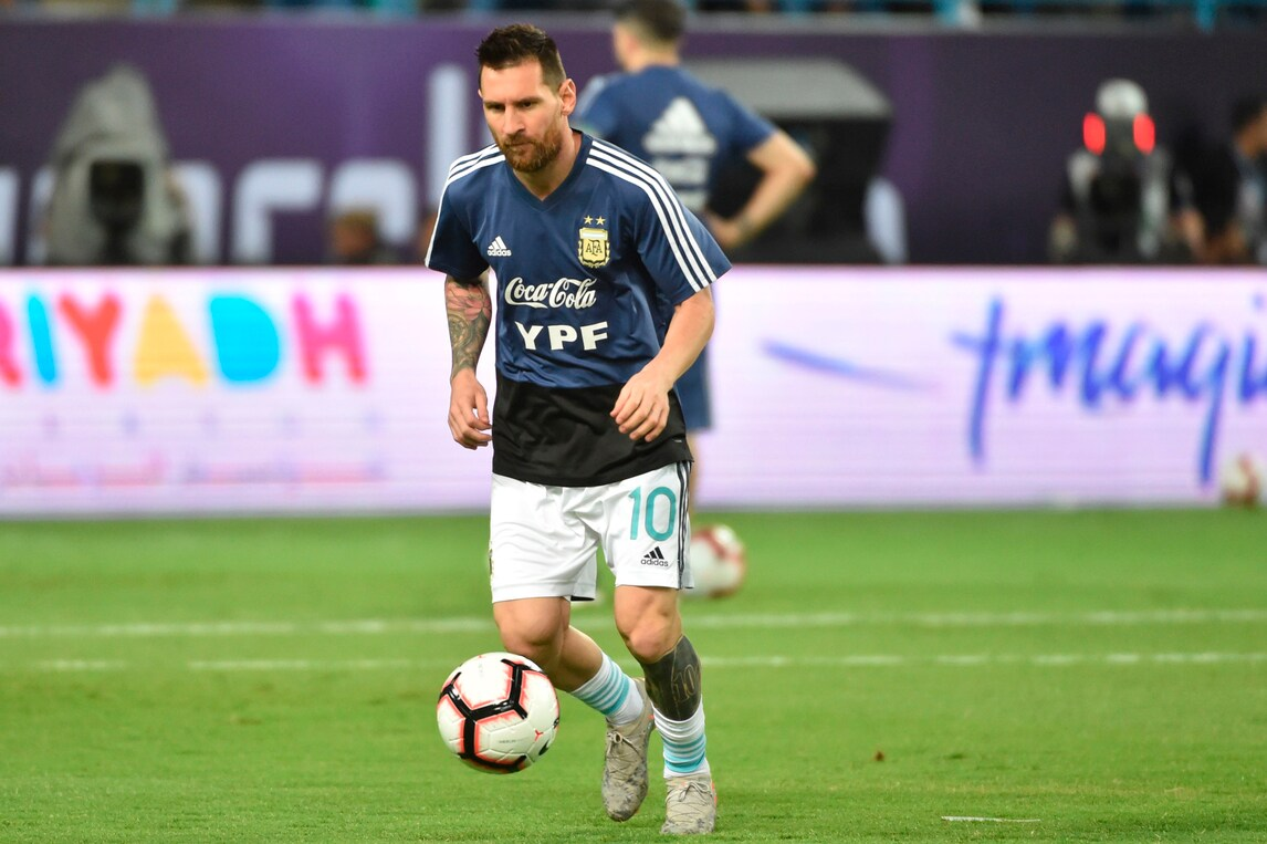 Messi in gol esalta i tifosi arabi: Lautaro Martinez batte Paquetà