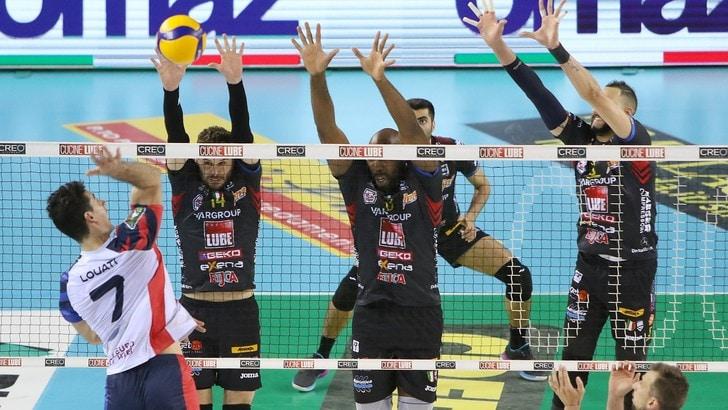 Superlega, Civitanova fugge, successi per Perugia, Trento e Ravenna