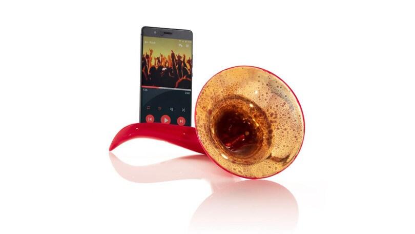 Ascoltare la musica su smartphone a zero impatto ambientale: arriva Scaramaz