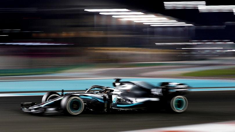 """Gp Abu Dhabi, Hamilton: """"Grande vittoria, sono grato alla Mercedes"""""""
