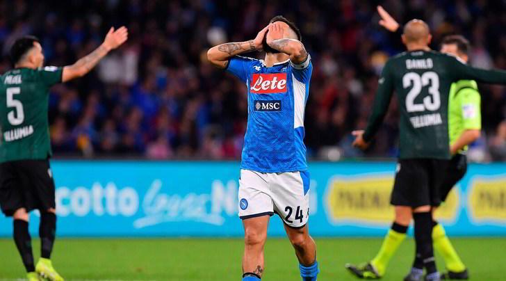 Napoli in crisi, battuto 2-1 in casa dal Bologna tra i fischi