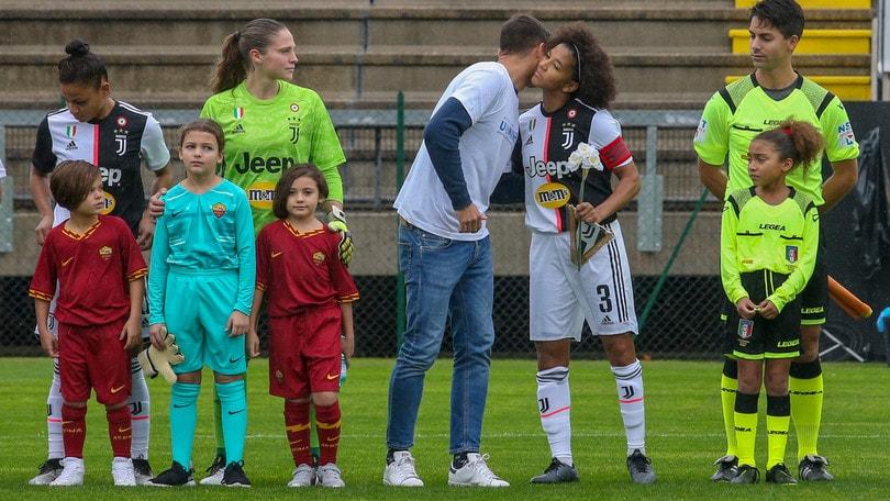 Leggi, UEFA, calciatrici: tutti al lavoro per il professionismo nel calcio femminile