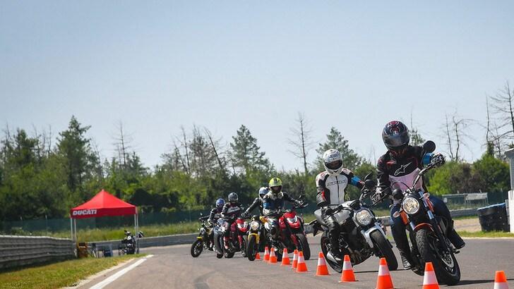 Ducati Riding Experience, nuova stagione al via anche per i rookie