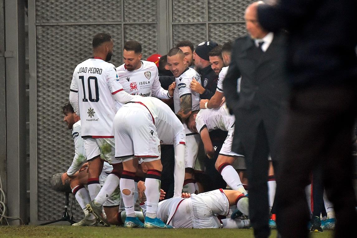 Il Cagliari ringrazia Ragatzu: Sassuolo ripreso al 90'