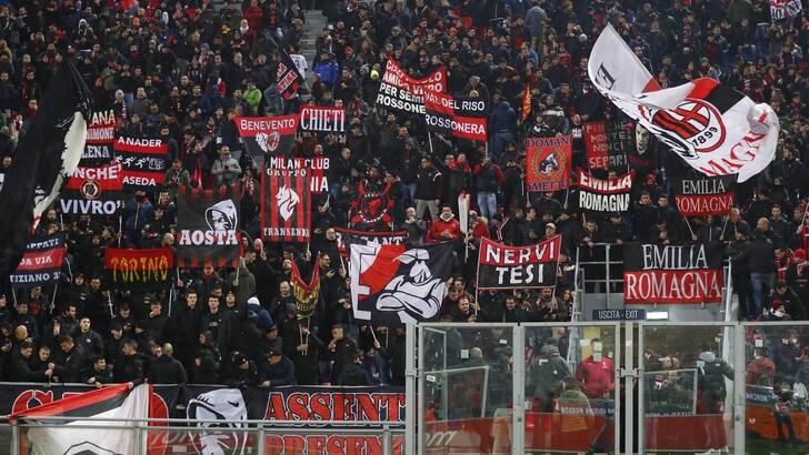 Bologna-Milan, tifoso rossonero accoltellato: condizioni gravi