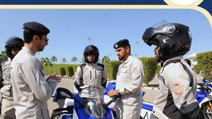 La polizia di Abu Dhabi in Ducati Panigale V4R