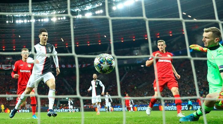 Bayer Leverkusen-Juve, la moviola: CR7 fuorigioco passivo, il raddoppio è regolare