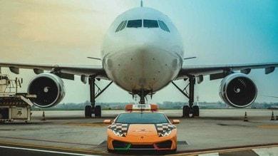 Lamborghini Huracan RWD è la follow me car dell'aeroporto di Bologna