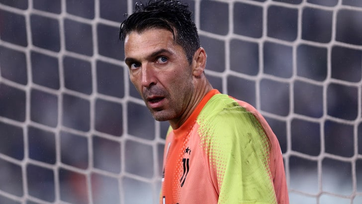 "Juve, Buffon: ""Dispiace per il ko dell'Inter in Champions"""