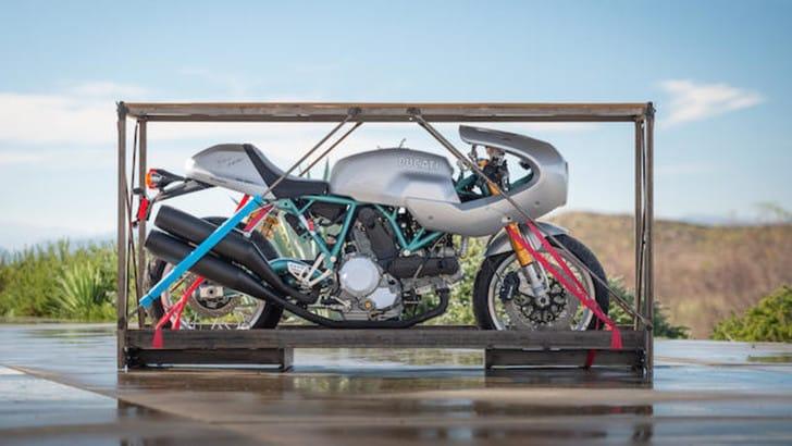 Ducati Paul Smart 1000LE, asta per l'edizione limitata del 2006