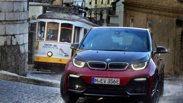 BMW i3, niente stop: avanti fino al 2024