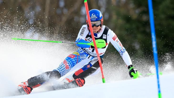 Vlhova beffa Shiffrin nello slalom di Zagabria: Curtoni 13ª