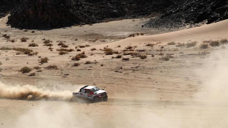 Dakar, De Villiers vince la 2ª tappa. Alonso perde due ore e mezzo