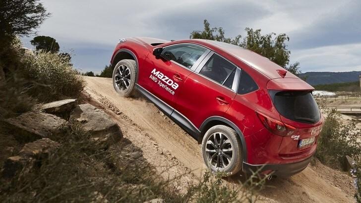 Focus i-ACTIV AWD, la trazione integrale intelligente secondo Mazda