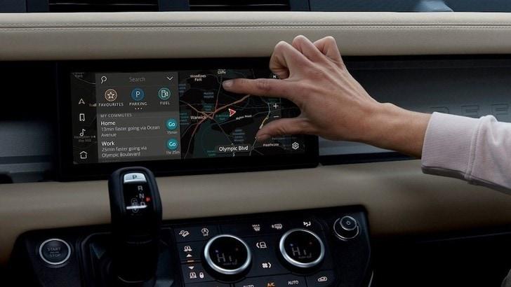 Land Rover Defender al CES 2020: connettività avanzata per il fuoristrada