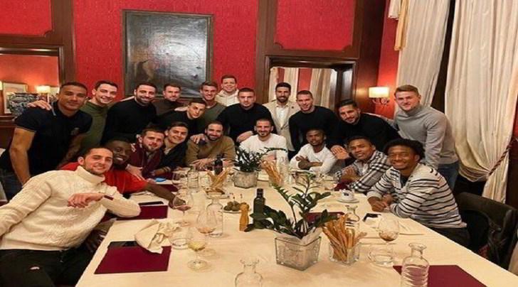 Juventus a cena: Pjanic e Bonucci la condividono sui social