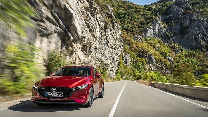 Mazda3, nuovo motore ibrido in arrivo