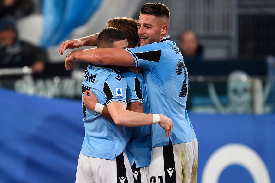 Disastro Ospina, Napoli ko: la Lazio trova la decima vittoria di fila
