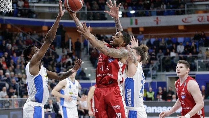 Milano ritrova il sorriso in campionato. Virtus Bologna, Sassari e Trento ok