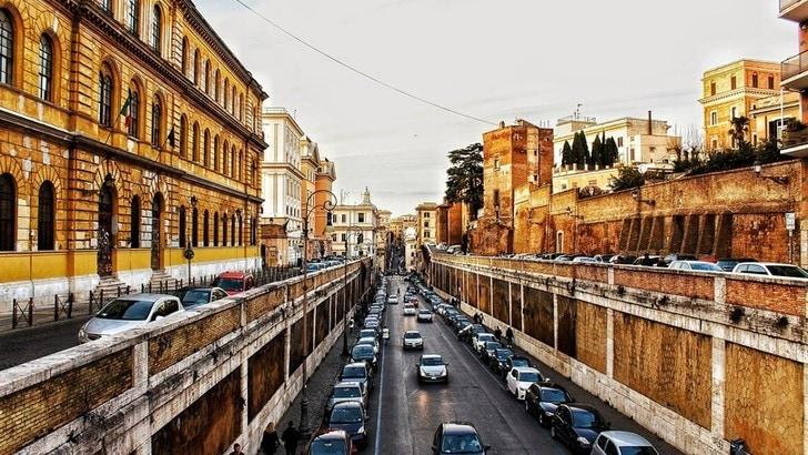 Roma, martedì 14 gennaio stop alle auto diesel