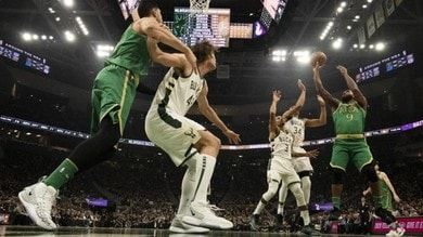 Nba, Boston non ferma i Bucks. Ingram trascina i Pelicans con 49 punti