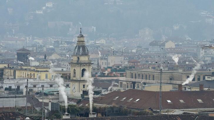 Smog, Torino ferma 680 mila veicoli