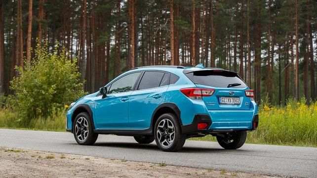 Subaru XV e-boxer: gli scatti