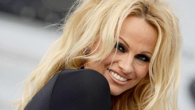 Pamela Anderson, nozze con Jon Peters: le foto