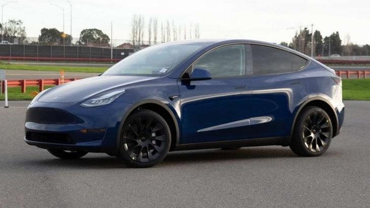 Tesla Model Y, il primo esemplare è realtà