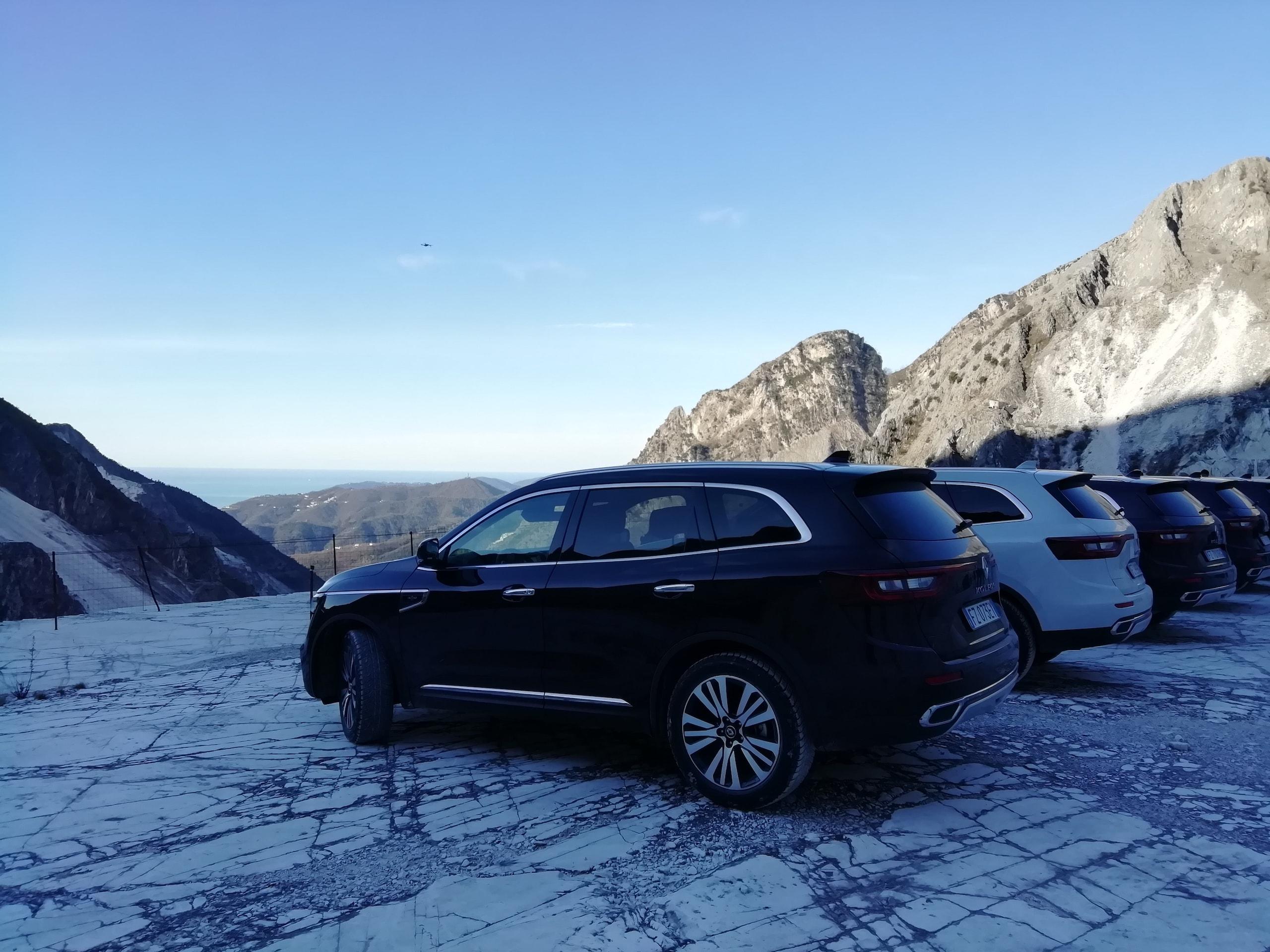 Nuovo Renault Koleos: che muscoli tra i marmi di Carrara FOTO