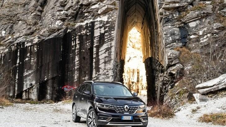 Nuovo Renault Koleos 2020: la prova off-road tra le cave di marmo