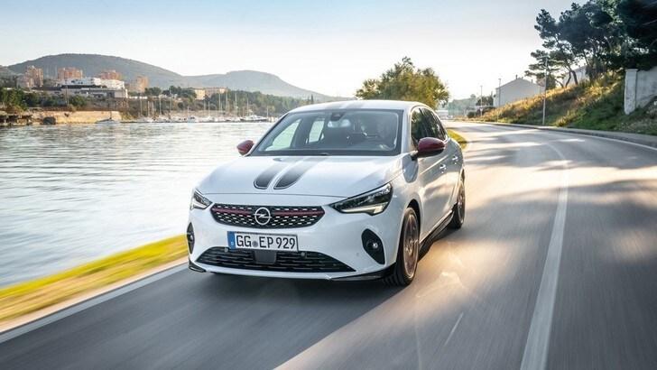 Opel Corsa, personalizzazioni con nuovi kit ed accessori