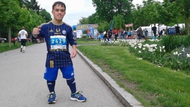 Lukáš Petrusek, un gigante di 140 cm alla Napoli City Half Marathon 2020