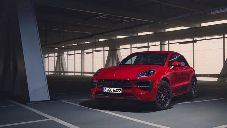 Porsche Macan GTS, il test del SUV da 380 CV