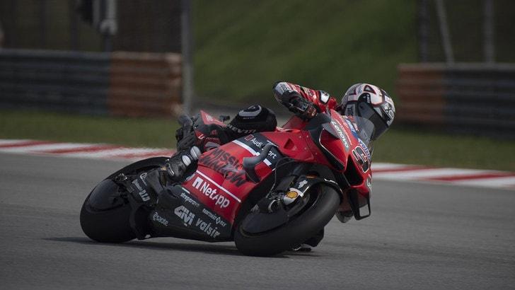 MotoGp, Petrucci punge Marquez: