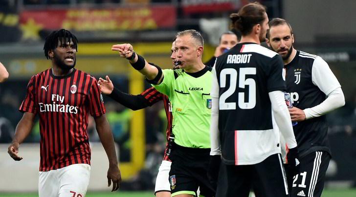 Milan-Juve, la moviola: Kessie da espulsione, il rigore è giusto