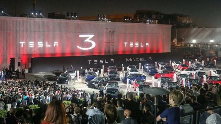 Tesla, aumento capitale di 2 miliardi di dollari
