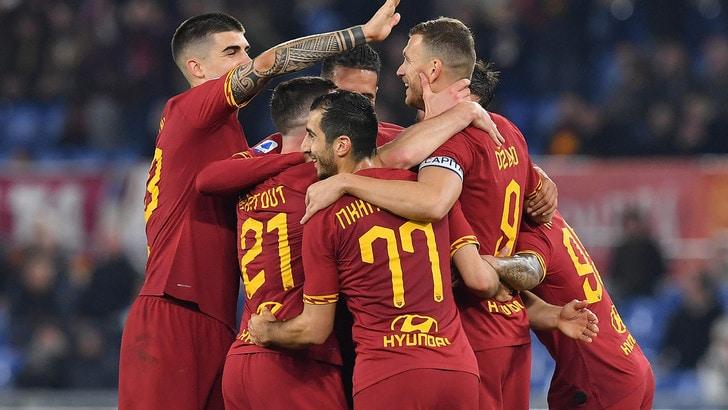 L'esultanza per il gol di Dzeko dopo il giudizio del VAR